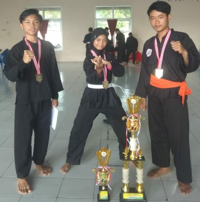 Juara Umum Kejurda Silat