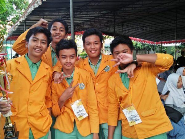 kejuaraan lomba nasyid di SMA Negeri 5 yogyakarta